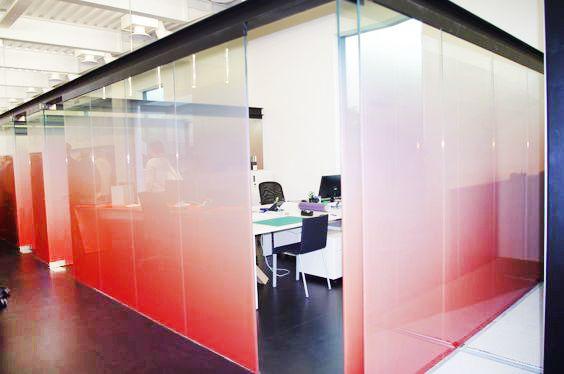 les 28 meilleures images du tableau cloison en verre glass partition sur pinterest cloisons. Black Bedroom Furniture Sets. Home Design Ideas