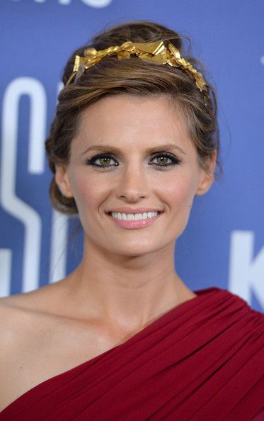Stana Katic's Angelic Updo and Golden Headband