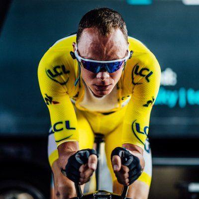 ChrisFroome/Twitter  El ciclista británico gana su tour más difícil y se sitúa a un triunfo de Anquetil, Merckx, Hinault e Indurain. La última etapa la ganó el holandés Gr ...