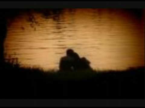 Να κοιμηθούμε αγκαλιά-Βασίλης Παπακωσταντίνου