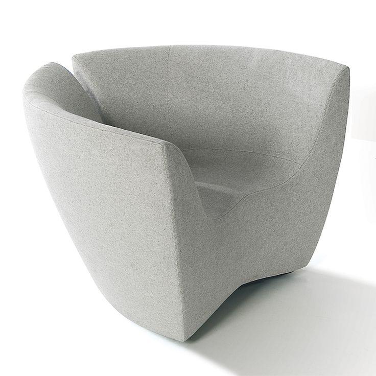 Sillón · Divan Apple de SpHaus. Disponible en gran cantidad de tejidos y colores. Fabricado y diseñado en Italia