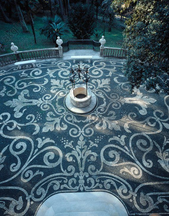 AKG-imágenes -Detail of the front square, Villa Durazzo, Santa Margherita Ligure.