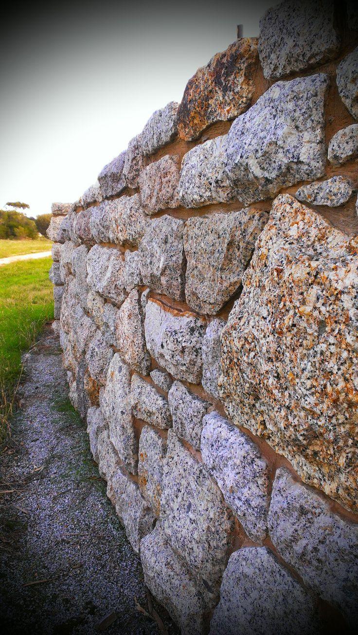 Stone Wall Pyramid Hill  www.mawsons.com.au