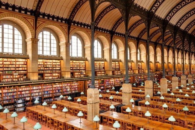 La bibliothèque Sainte-Geneviève, à Paris. Les 10 plus belles bibliothèques du monde