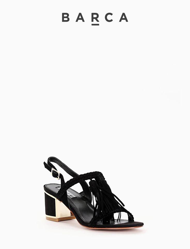COMPOSIZIONE FONDO GOMMA, SOLETTO VERA PELLE  CARATTERISTICHE Altezza tacco 5 cm  COLORE #NERO  MATERIALE #CAMOSCIO  #sandali #tacchi #heels #fashion #fashionblogger #outfit #springsummer #primavera #estate #newcollection #nuovacollezione #moda