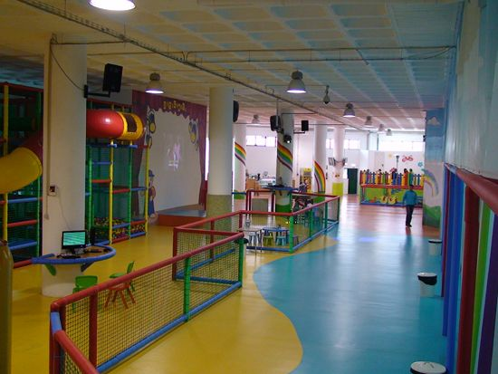 Instalação eléctrica do parque infantil dotylândia