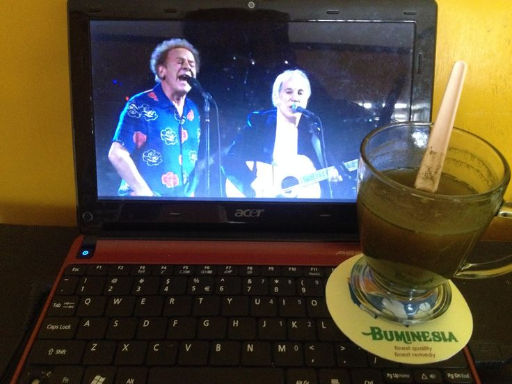"Weekend with Simon and Garfunkel + kratom tea, and touched the sound of silence 😎  For more info, don't hesitate to contact us or visit : www.buminesia.com Stay health good people.  ""Finest Quality, Finest Remedy""  #mitragynaspeciosa #kratom #iamkratom #savekratom #kratomsavelives #keepkratomlegal #mitragynahirsuta #mitragynajavanica #mimosapudica #moringaoleifera #combretumquadrangulare #sakaenaa #uncariatomentosa #catsclaw #herb #remedy #herbalremedy #naturalremedy #medicine #health"