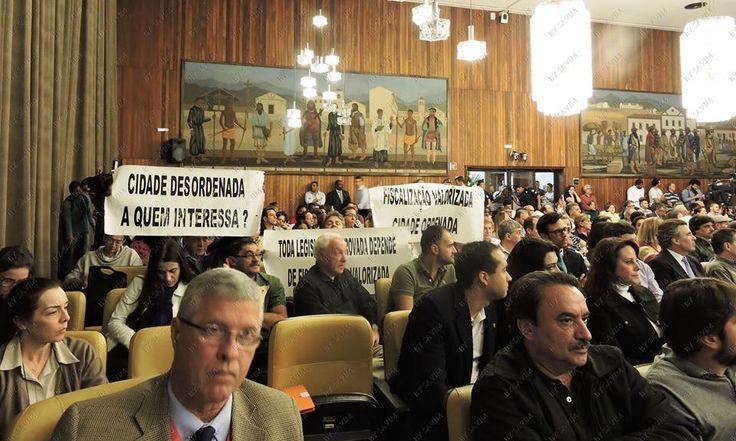 22/6/2015 - Agentes Vistores atendem a chamado do SAVIM e comparecem à audiência com faixas