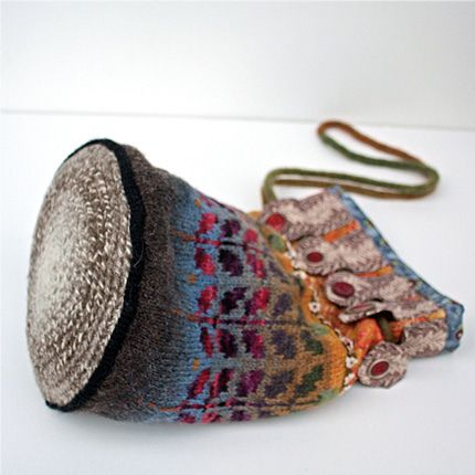 Folk Bag... like the idea behind this bag combining crochet, knitting and sewing