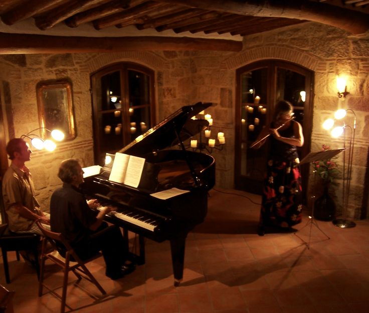 VALDONICA WEDDING in TUSCANY - Private Concert at Valdonica´s medieval Manor House