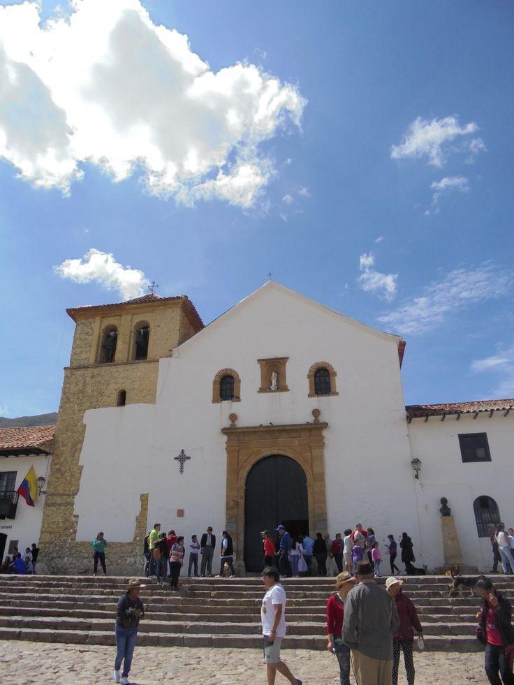 Iglesia en plaza central de Villa de Leyva, Boyacá, Colombia. Agosto del 2016