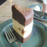 オクシモロン - ケシの実のケーキ(500円)