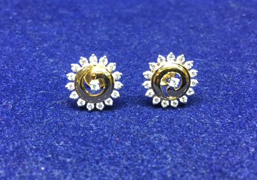 Light weighted, Real Diamond Earring.   #DiamondEarrings #Earrings  #diamonds #naturaldiamonds #diamondjewellery #jewellery #Earringdesigns #designerearrings