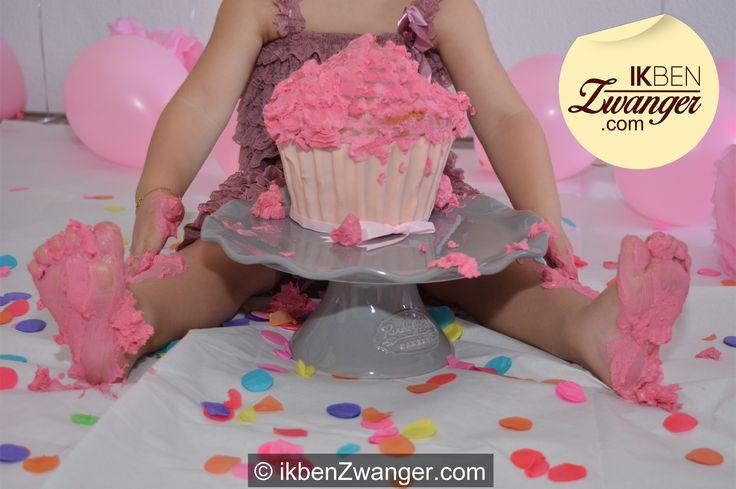 """Sta jij ook anders in je #tweede #zwangerschap dan je #eerste?  """"Wat voel ik me anders dan toen ik van de eerste #17weken #zwanger was. Toen kon je me opdweilen. Ik wist niet wat me overkwam. Mijn man was dolblij, maar voor mij was het #schrikken.""""    http://www.ikbenzwanger.com/tweede-zwangerschap-thuismama-blog-imane.php"""