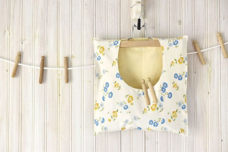 Keep Clothes Pins Handy in This DIY Clothespin Bag