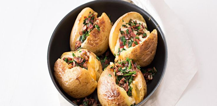 Plněné pečené brambory