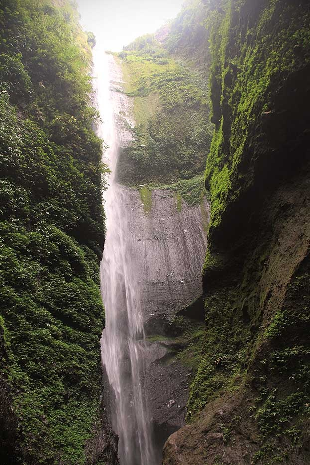 The path ends in a surreal tube-like valley where the staggering 200 meters gallant waterfall highlights the scene.