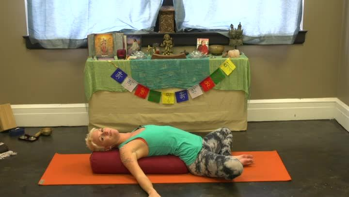 Yoga For Rib Pain Relief In Pregnancy (Video) | LIVESTRONG.COM