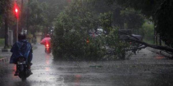 Bogor berpeluang hujan lebat disertai angin hingga sepekan