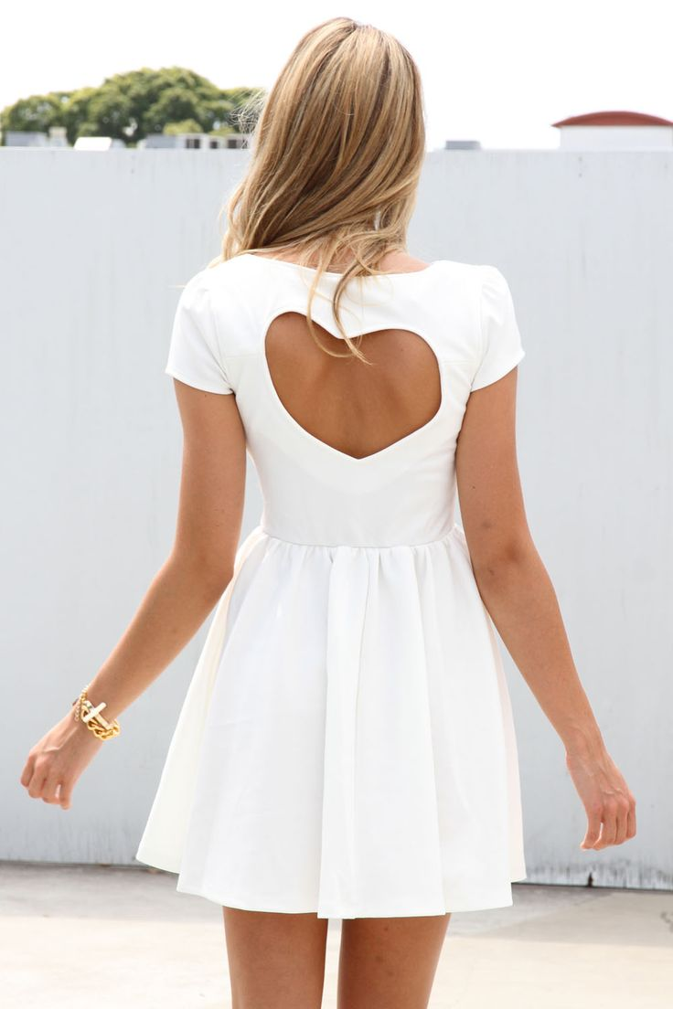 White stripes back heart cut out pleated dress