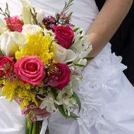Mixed Bridal Bouquets Australia – Mixed Wedding Bouquets | Calla Lily Bridal Bouquet | Rose Wedding Bouquets | Spider Mum Bridal Bouquet | Love and Sunshine at BunchesDirect