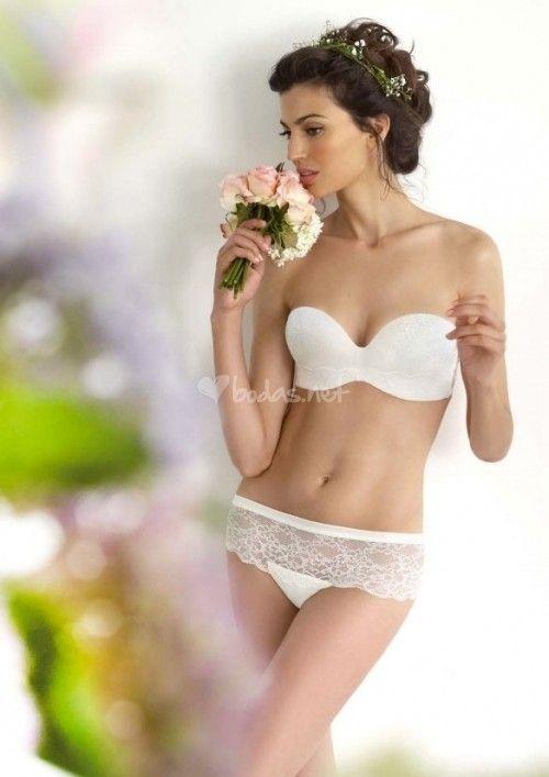 Lencería Selmark 2014 - http://www.bodas.net/articulos/tendencias-en-lenceria-para-novias-2014--c2277
