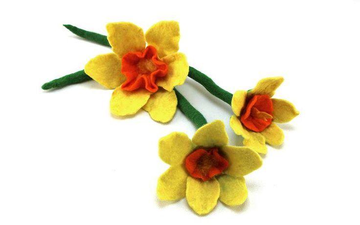 Eine Filzanleitung für eine mehrteilige Blüte - eine Osterglocke / Narzisse welche Nassgefilzt wird