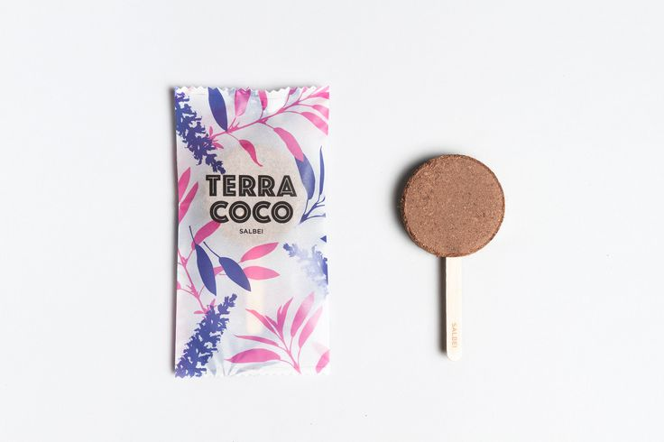 »Terra Coco« combines soil and herb-seeds in one product. The pressed coconut fiber soil looks like an ice lolly. The fresh, coloured and delicate design is based on classic icecream-packaging. »Terra Coco« kombiniert Blumenerde und Kräutersamen in ein…
