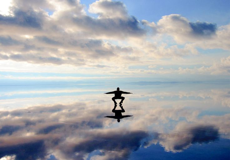 20 Amazing Travel Experiences to Have Before You Die - Salar de Uyuni, Bolivia