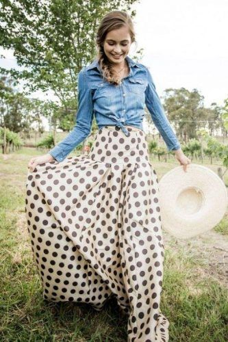 polka dots skirt with denim shirt, How to style your Chambray Shirt http://www.justtrendygirls.com/how-to-style-your-chambray-shirt/