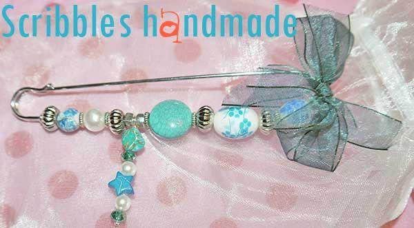 Spillone nr 3 in turchese e 4 in corallo, regalini di Natale http://diy-scribbles-handmade.blogspot.it/2013/12/spilloni-turchese-corallo-handmade-creazioni-artigianali-bijoux.html