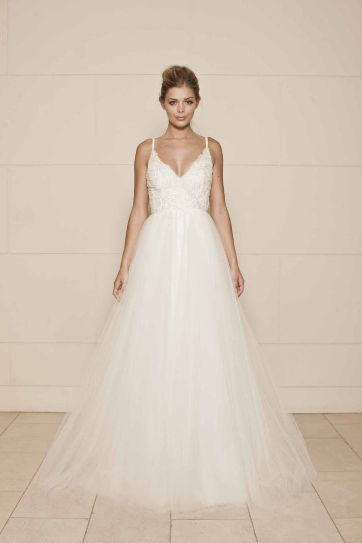 Lisa robertson in wedding dress - Find This Pin And More On Wedding Lisa Gowing Wedding Dress