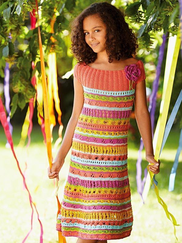 Sukienka wykonana na szydełku, włóczka Catania https://www.kokardka.pl/index.php?act=shop&reset=1&szuk_name=310-0251+or+310-0189+or+310-0208+or+310-0205+or+310-0248+or+310-0130&searchp= Wzór dostępny w Kramie z włóczkami  https://www.kokardka.pl/product/6298/dodatek-specjalny-032016-kram-z-wloczkami.html
