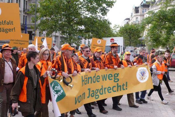 Deutsche Jäger protestieren gegen ideologisches Jagdgesetz!