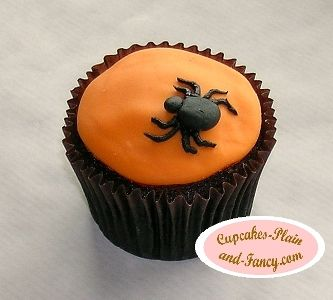 difficulty level easy a halloween spider cupcake that looks good and is easy to make - Halloween Decorations Cakes