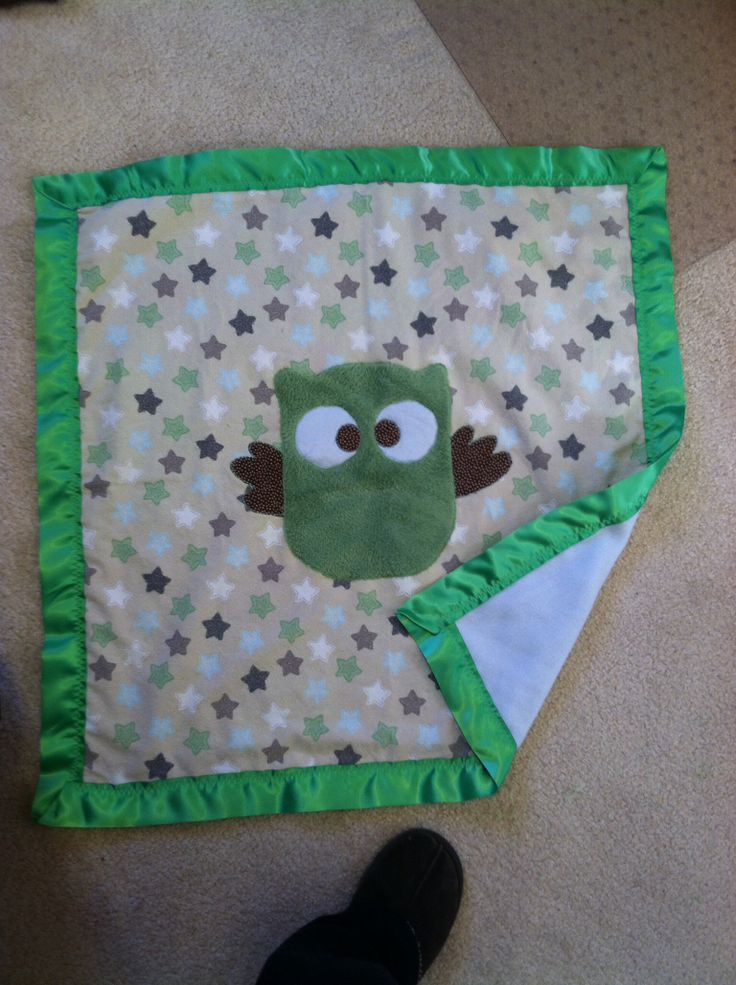 A receiving blanket size of an individual Lynle $55
