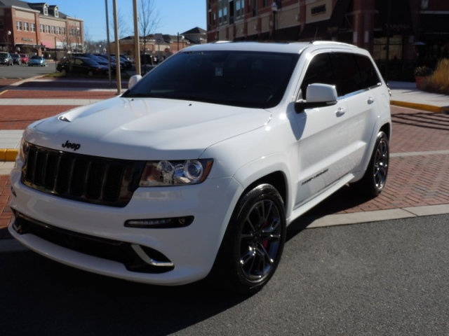 jeep grand cherokee srt8 white