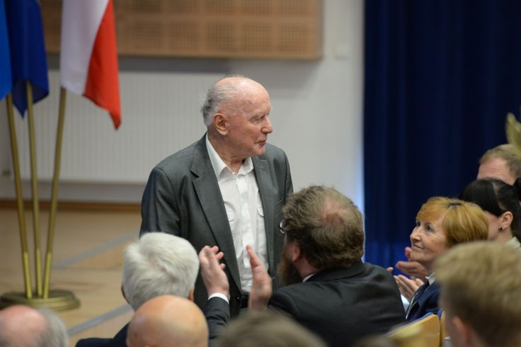 Events were held in Tarnów and Oświęcim on June 12 and 13 to commemorate the 75th Anniversary of the first transport of Polish political prisoners to the German Nazi Auschwitz concentration and extermination camp.  More: http://auschwitz.org/en/museum/news/75th-anniversary-of-the-first-transport-of-poles-to-auschwitz-commemorated-in-tarnow-and-oswiecim,1160.html