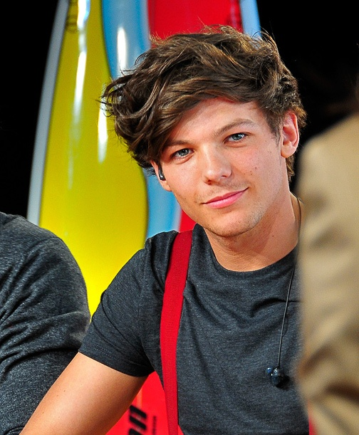 Louis Tomlinson - One Direction - Of course, I'm attracted to the pretty boy of the group!