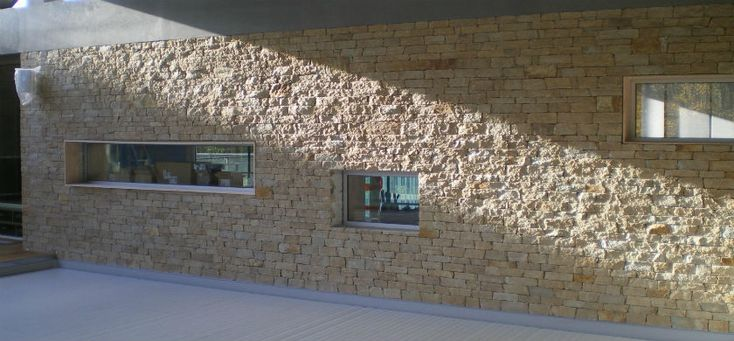 Quel est le prix d'une isolation d'un mur en pierre : http://www.travauxbricolage.fr/travaux-interieurs/isolation-ventilation/isolation-mur-pierre/