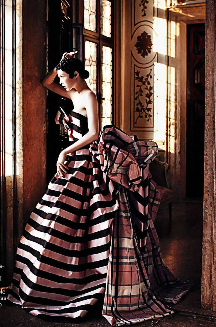 pink and black striped ball gown x vogue september 2013 by david sims fall 2013 haute. Black Bedroom Furniture Sets. Home Design Ideas