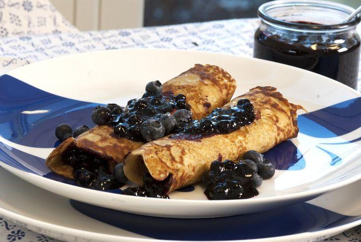 Norwegian pancakes with blueberry jam