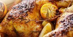 Μια συνταγή που θα λατρέψετε!ΥλικάΚοτόπουλο 1 κομμένο σε μερίδες Πορτοκάλι 1 τεμ χυμό και ξύσμα Πορτοκάλι 1 τεμ κομμένο στα 4 Λεμόνι 1 τεμ χυμό και ξύσμα Σκόρδο 2 σκελίδες ολόκληρες Κρεμμύδια 5