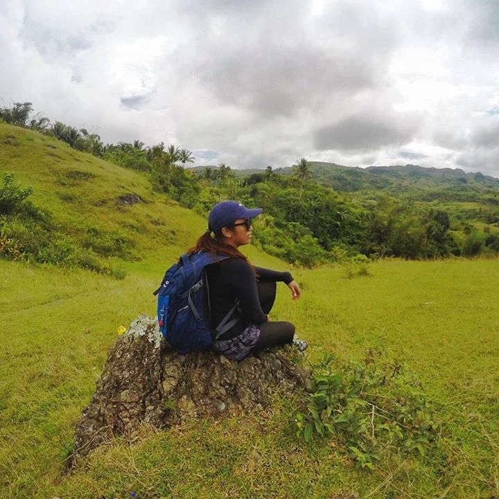"""When you recover or discover something that nourishes your soul and brings joy care enough about yourself to make room for it in your life."" - Jean Shinoda Bolen ' ' ' ' ' #mountaineering #mountains #magopeak #carmencebu #cebu #cebumountains #travelcebu #hiking #trekking #jeanshinodabolen #gopro #goprophotography #green #adventure #photography #selfdiscovery http://ift.tt/2fIHqft"
