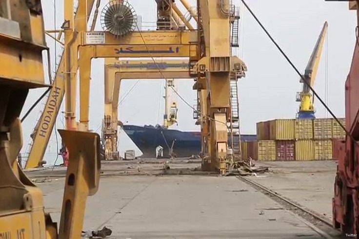 """Saudi Arabia: Yemen's air and sea ports to reopen in 24 hours https://betiforexcom.livejournal.com/28146724.html  Saudi Arabia announced that it will reopen all Yemeni ports within 24 hours after a week of closures, Al Arabiya English reported. """"The first step in this process will be taken within 24 hours and involves reopening all the ports in areas controlled by the Government of Yemen, including Aden, Mukalla and Mocha,"""" the statement by Saudi Arabia's mission to Yemen read. The Saudi-led…"""