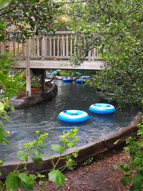 950 feet of Ramblin' River fun at the Hyatt Regency Hill Country Resort in San Antonio, Texas!