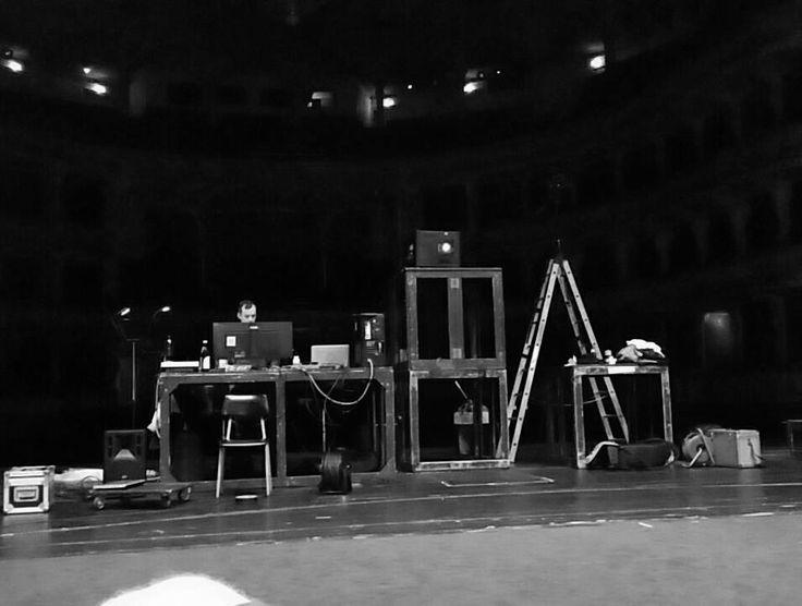 Preparing new performance - Cube http://www.narodni-divadlo.cz/en/show/11106