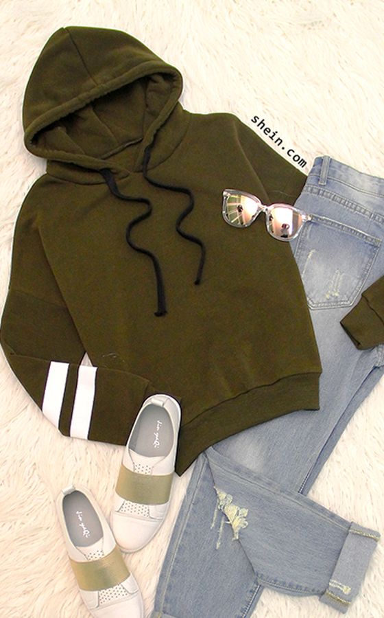 Cozy casual style-Army green hooded striped sweatshirt outfit.