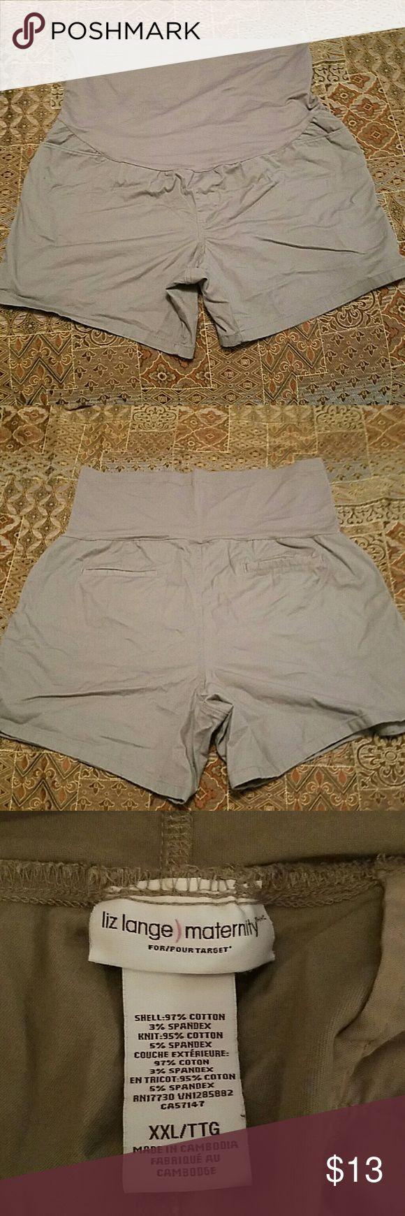Maternity Shorts xxl Kaki maternity Shorts by Liz Lange. Size xxl. No holes stains ect. Very comfy and cute! Liz Lange Shorts