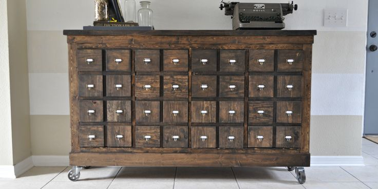 Need to make this for my apothecary cabinet - Would like to make or find hutch and stain it to match! perfectnesssss <3